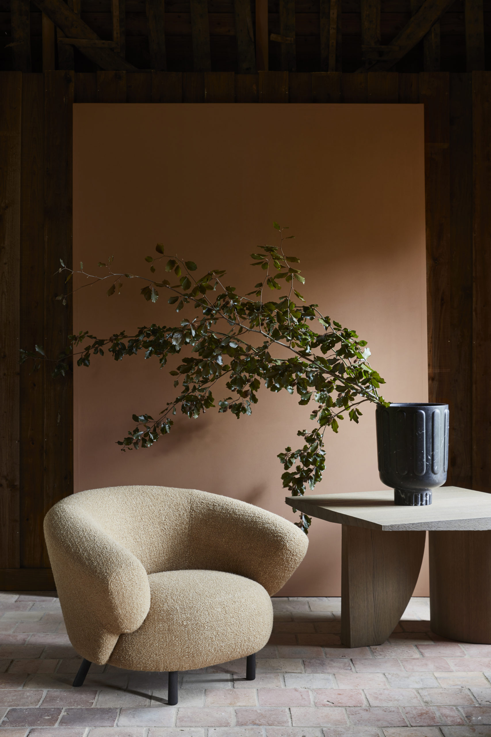 Delcourt-Collection-ANA-armchair-TEO-side-table