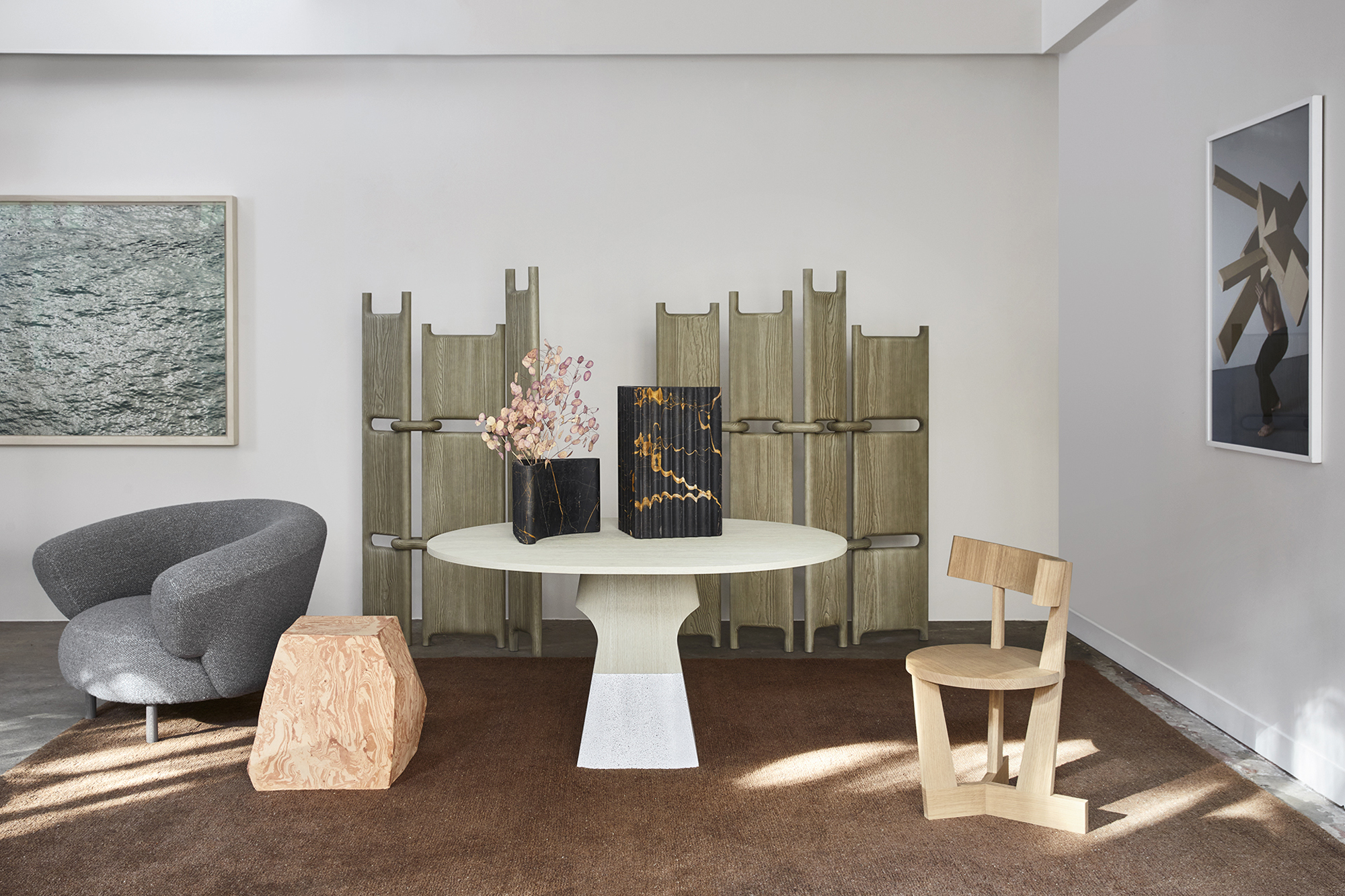 Delcourt-Collection-ISA-table-ANA-armchair-ENZ-chair